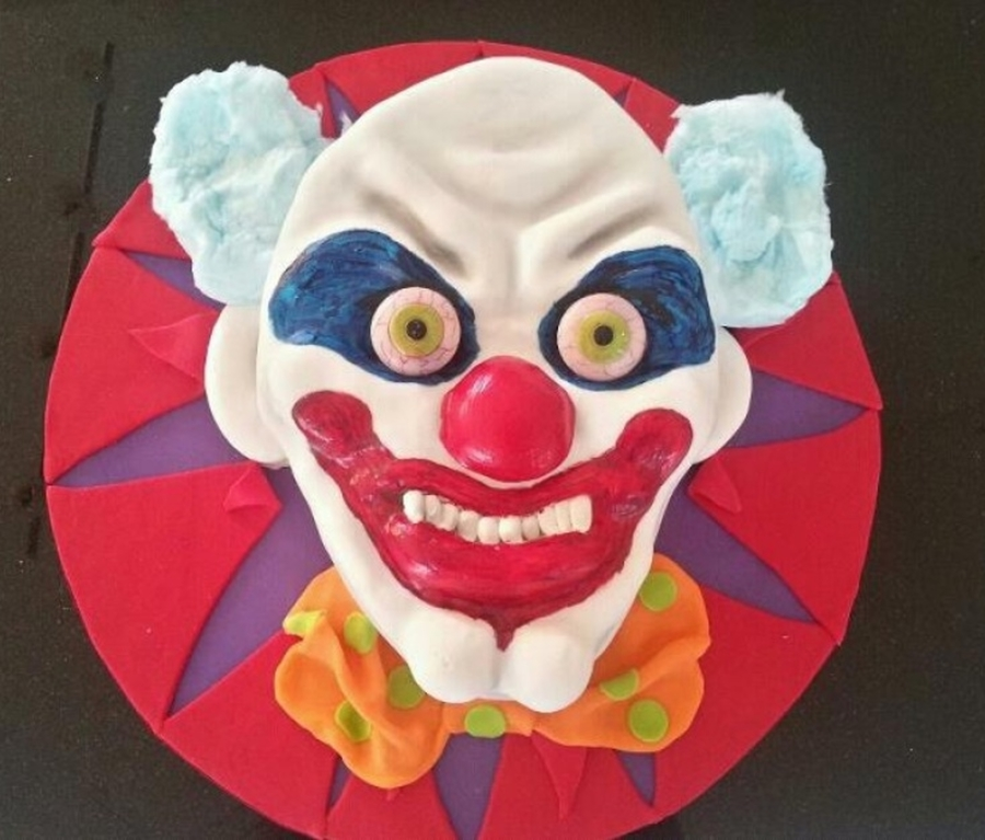 Creepy Clown  on Cake Central