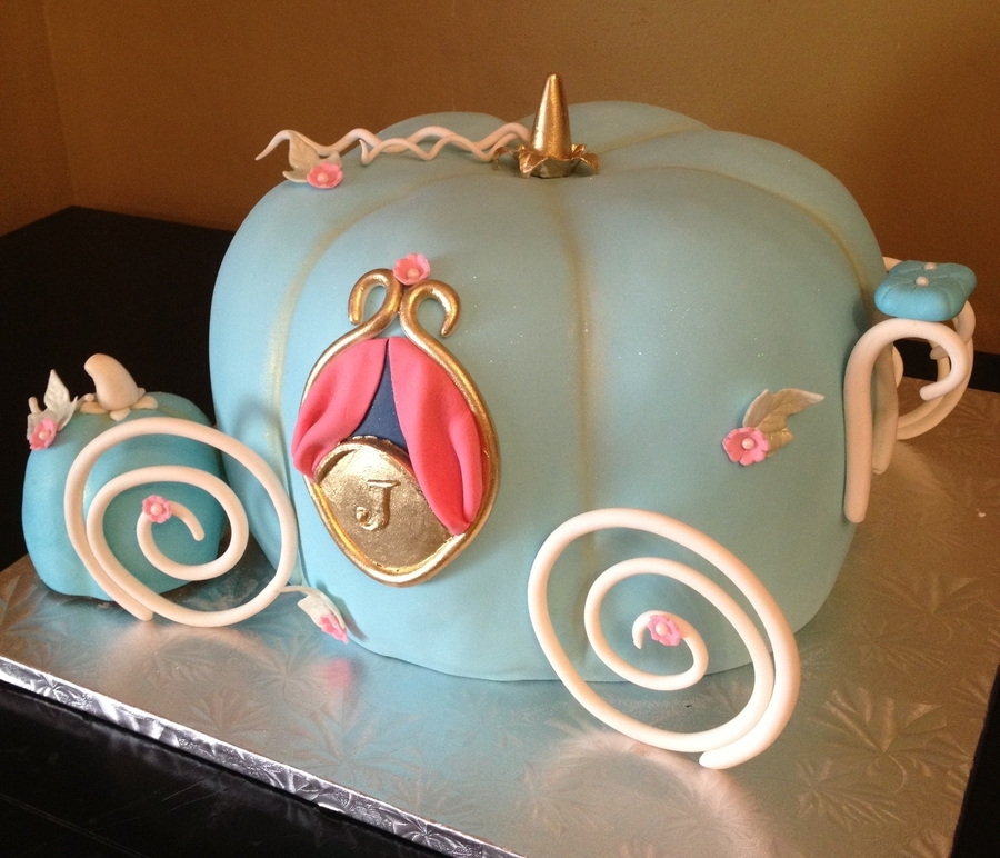 Cinderella's Carriage on Cake Central