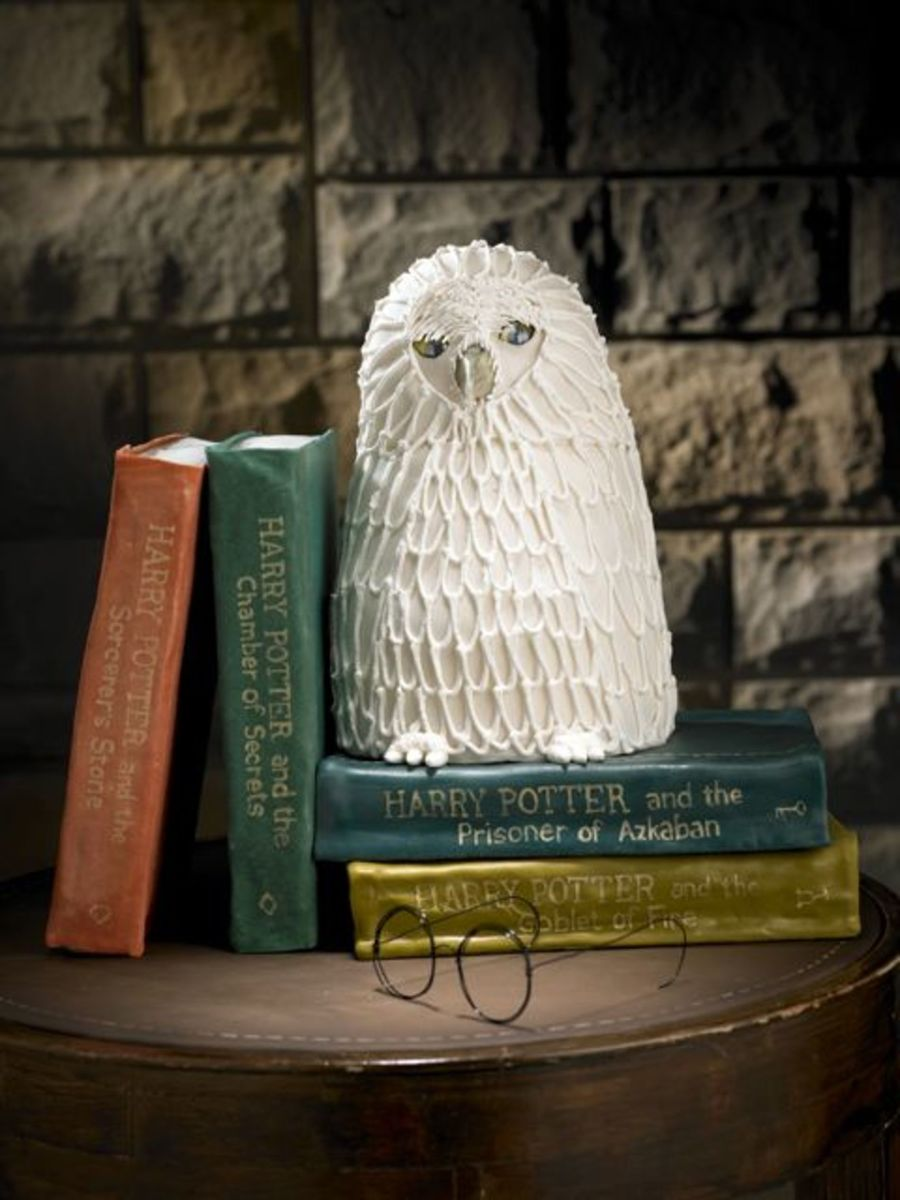 Harry Potter Books & Hedwig on Cake Central