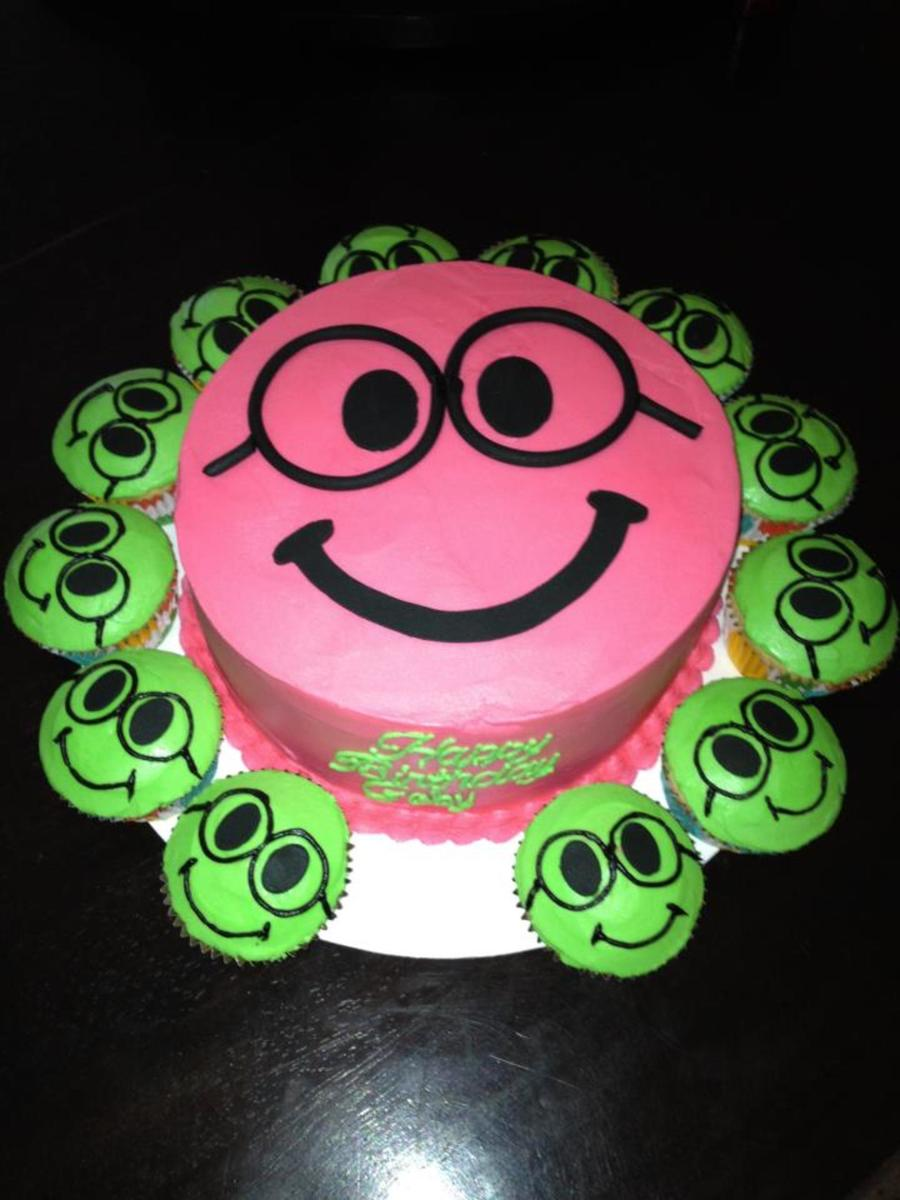 Enjoyable Nerdy Smiley Face Birthday Cake And Cupcakes Cakecentral Com Funny Birthday Cards Online Inifofree Goldxyz