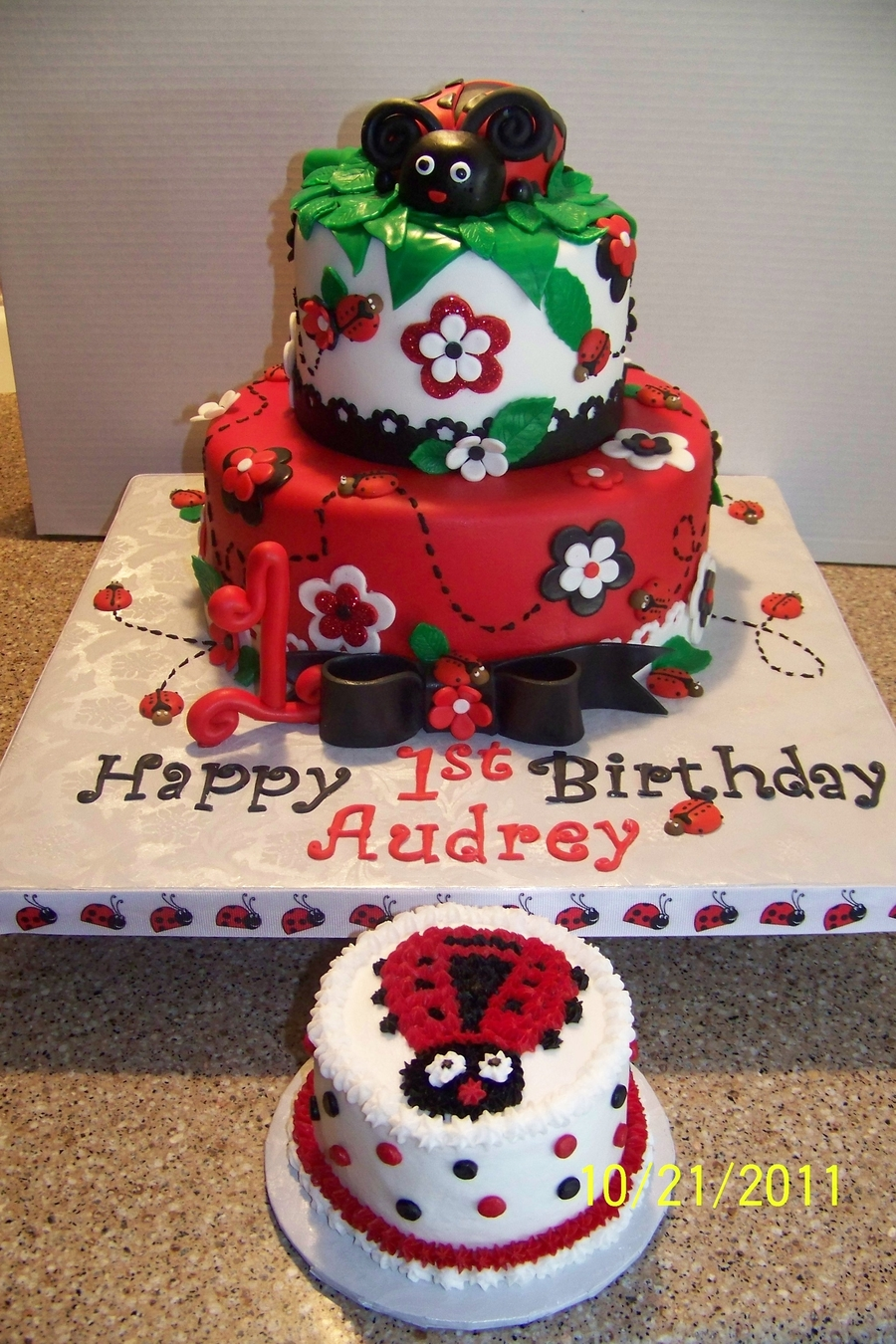 Swell Lady Bug Birthday Cake Cakecentral Com Funny Birthday Cards Online Overcheapnameinfo