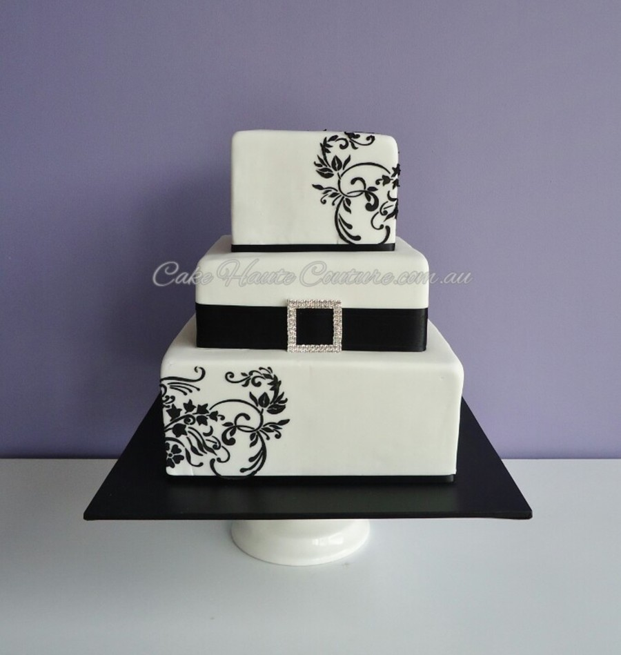 Black & White on Cake Central