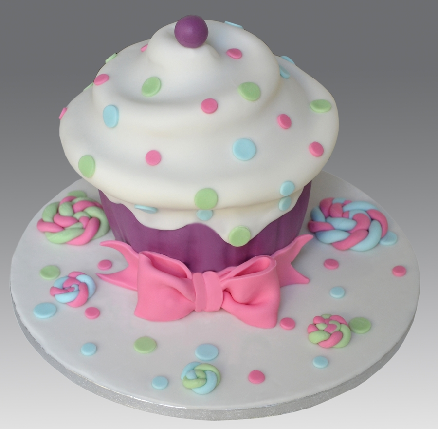 Dot Giant Cupcake Cake on Cake Central