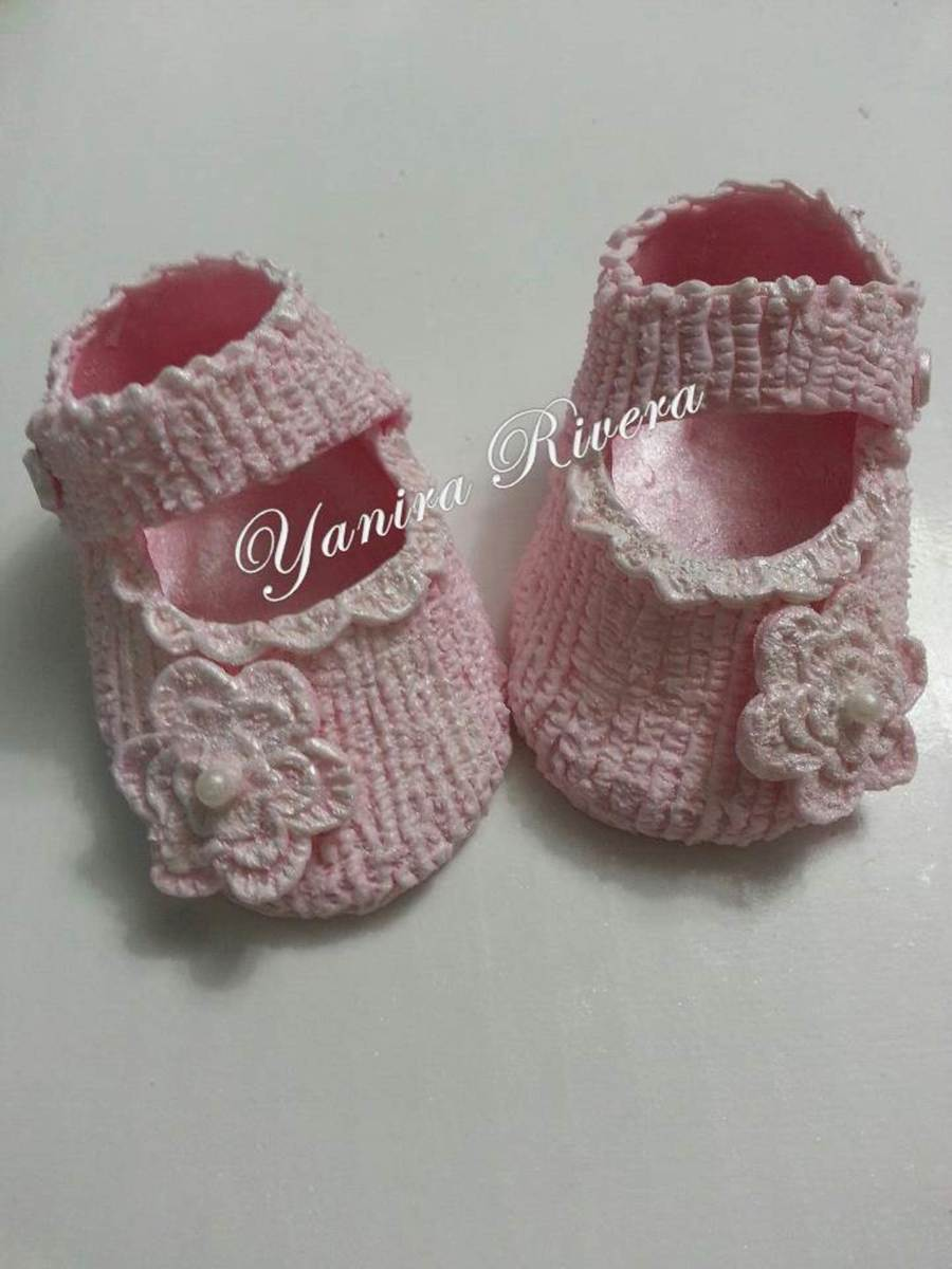 Girl Baby Booties In Sugar on Cake Central