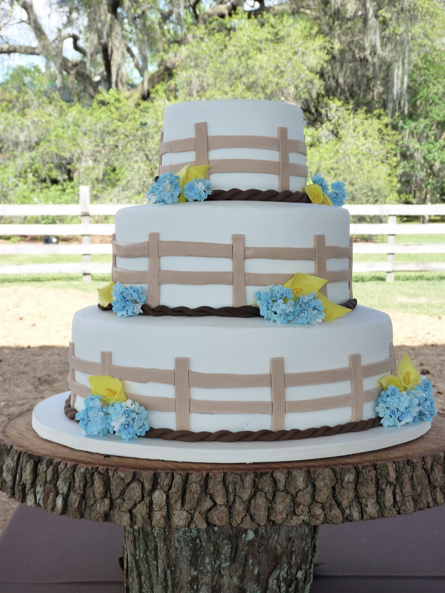 Backyard Fence Wedding on Cake Central