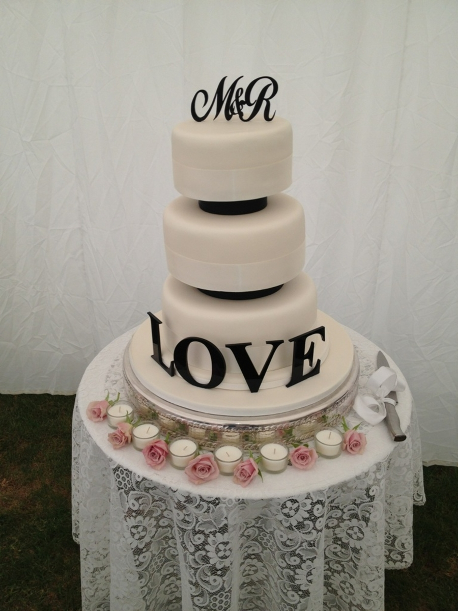 Love ........ on Cake Central