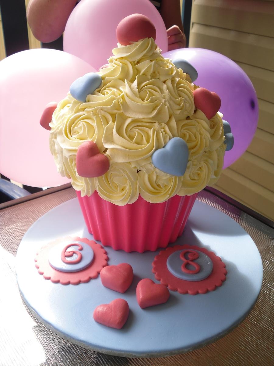 Wilton Giant Cupcake Cakecentral Com