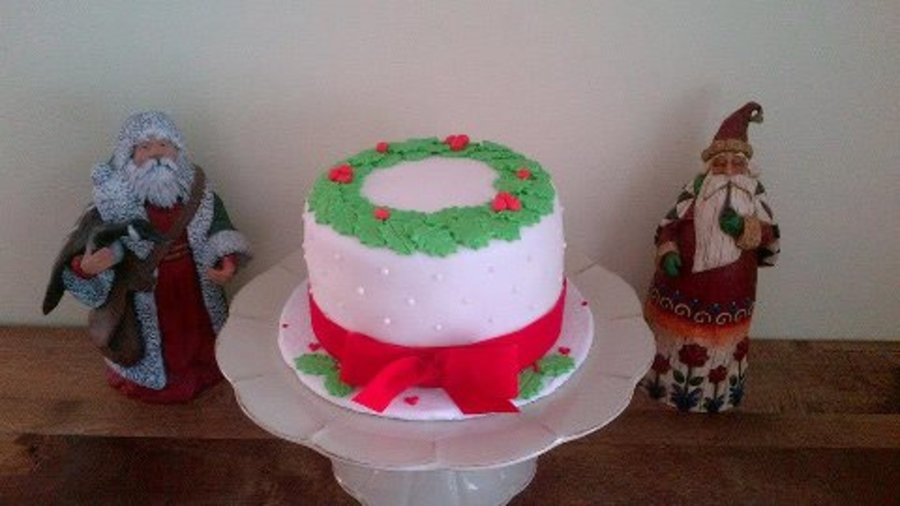 Christmas Holly Wreath on Cake Central