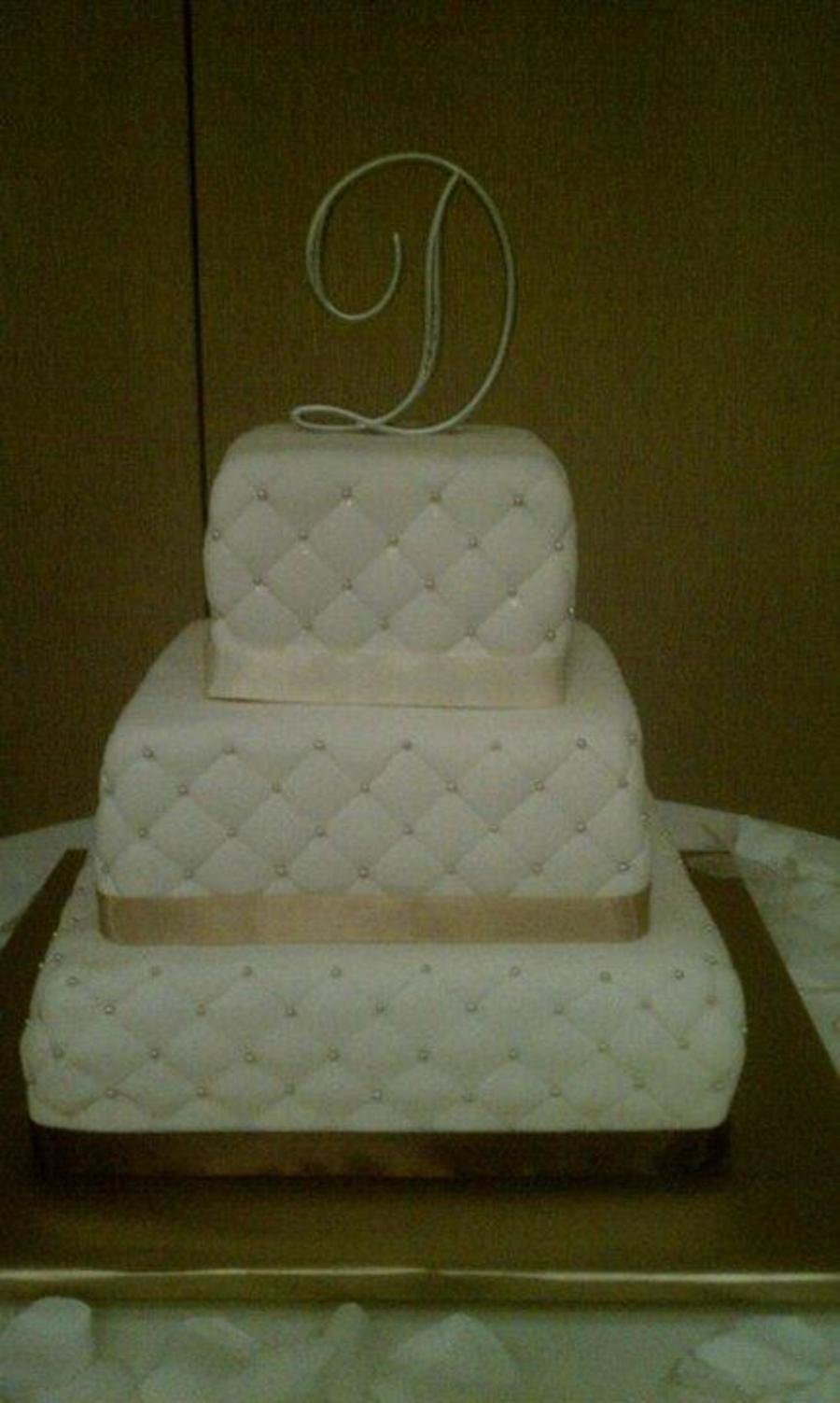 Quilt Pattern Wedding Cake : Square Quilted Wedding Cake - CakeCentral.com
