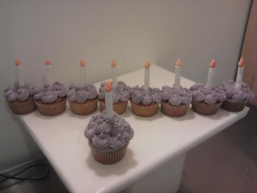 Cupcake Menorah on Cake Central