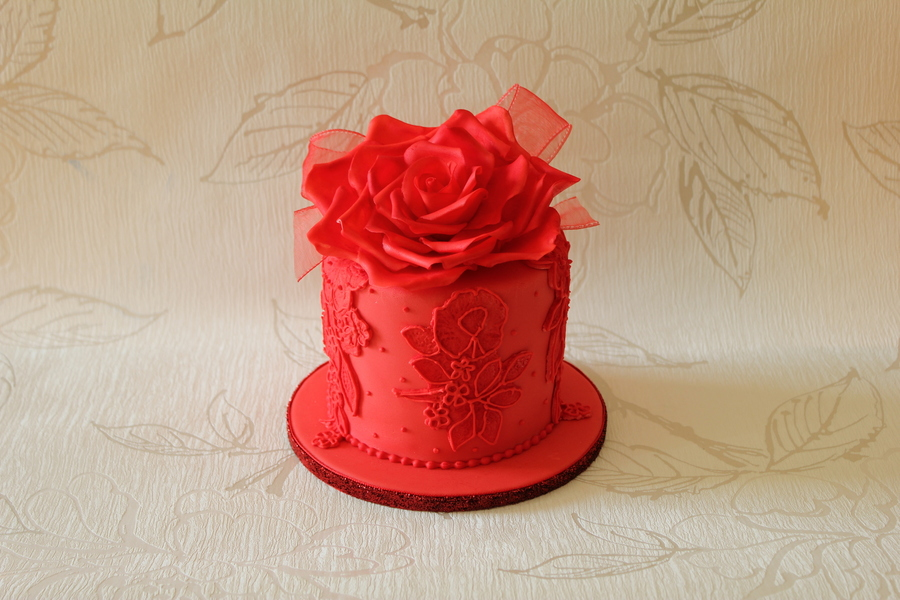 Bride I Made A Cake For Last Year Came Back And Requested The Top Tier Be Re Made In Red on Cake Central