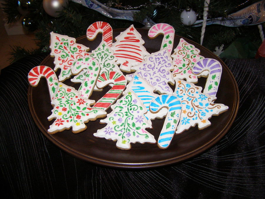 Stencilled Christmas Cookies on Cake Central
