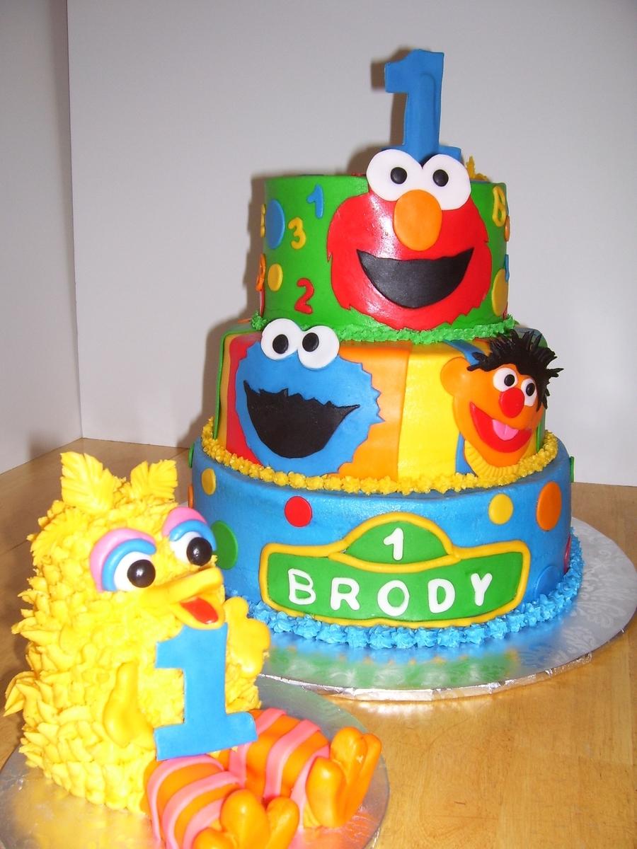 Cake Decorating Sesame Street Birthday : Big Bird Sesame Street With Smash Cake - CakeCentral.com