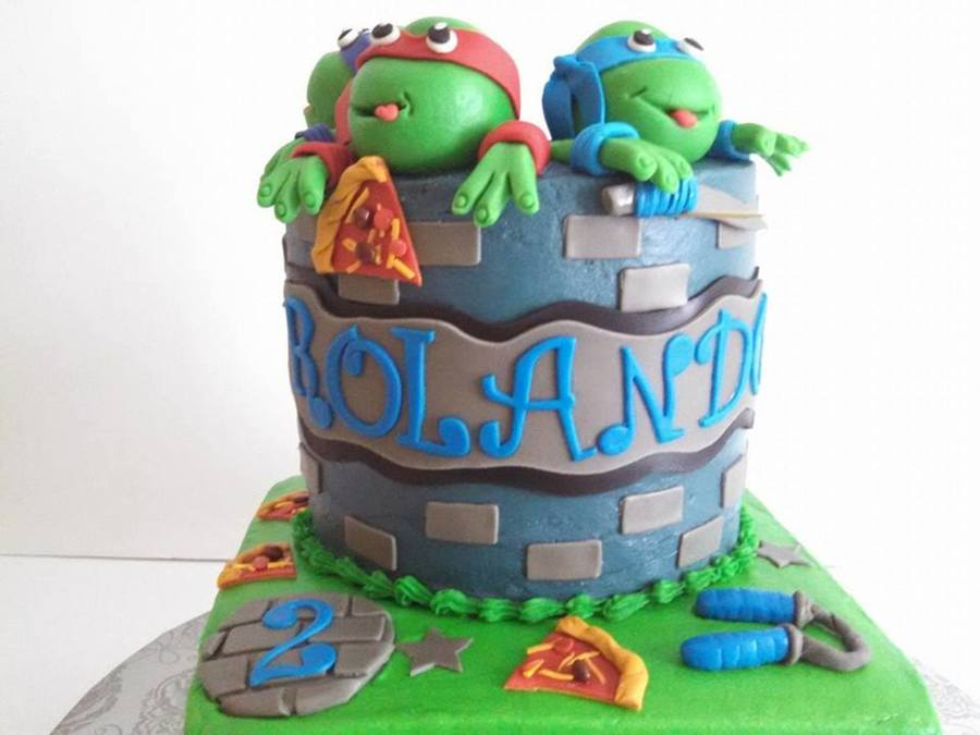 Another Ninja Turtle Cake , With Pizza Slices And Weapons ...