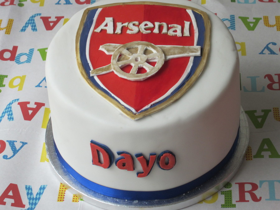Arsenal Logo Cake Made For My Sons 10Th Birthday In April He