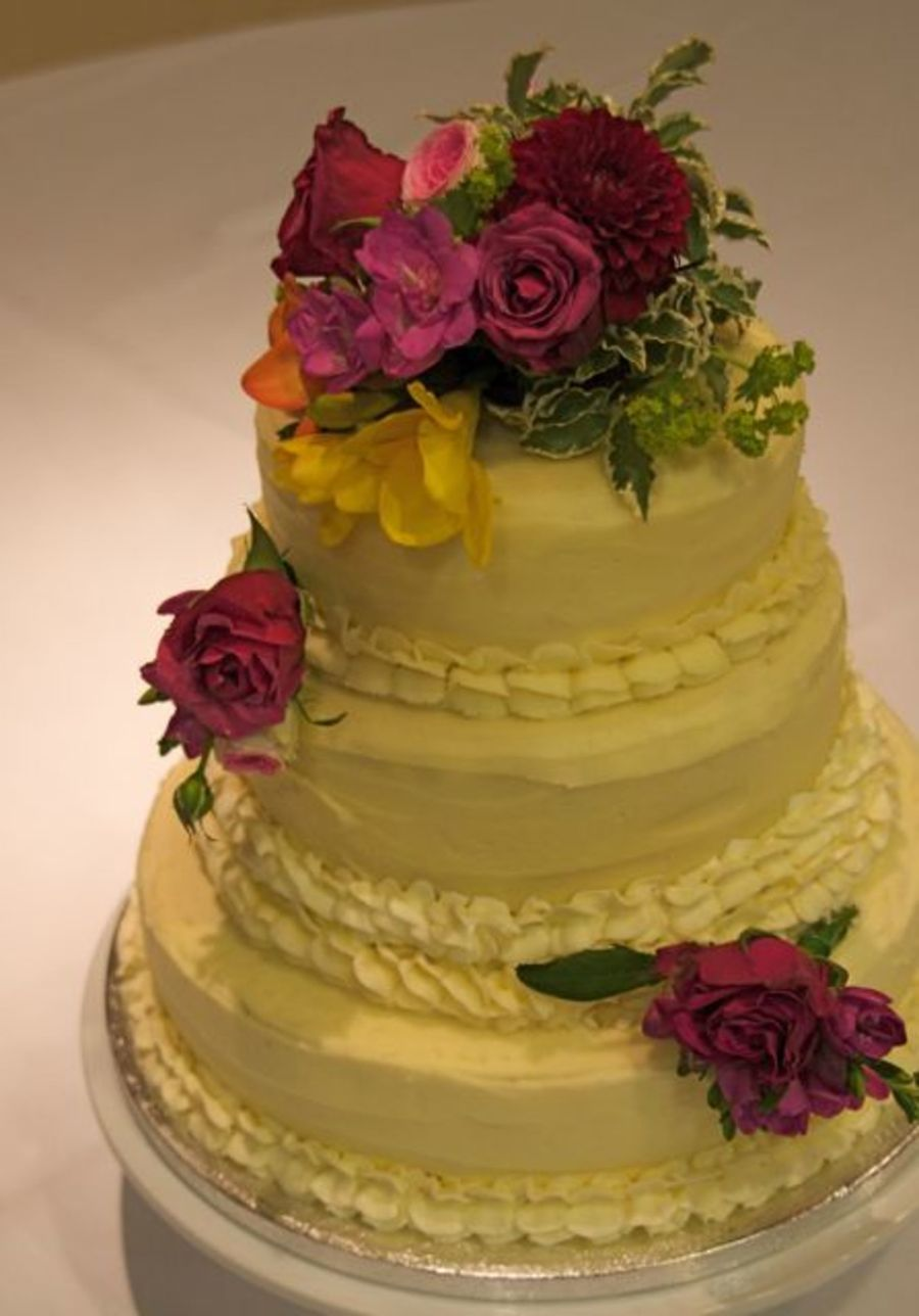 old style wedding cakes buttercream vintage style wedding cake cakecentral 17997
