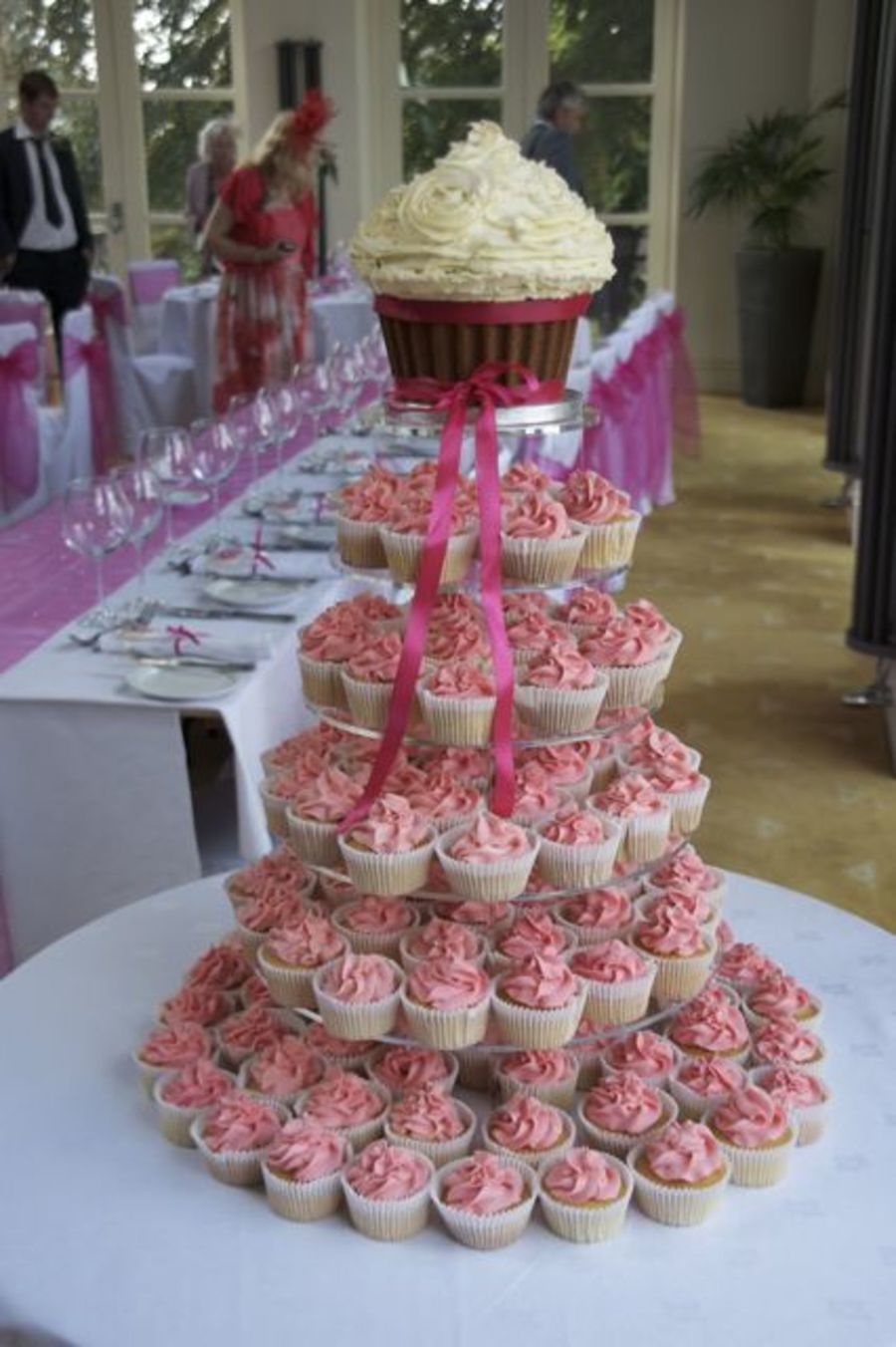giant cupcake wedding cupcake tower. Black Bedroom Furniture Sets. Home Design Ideas