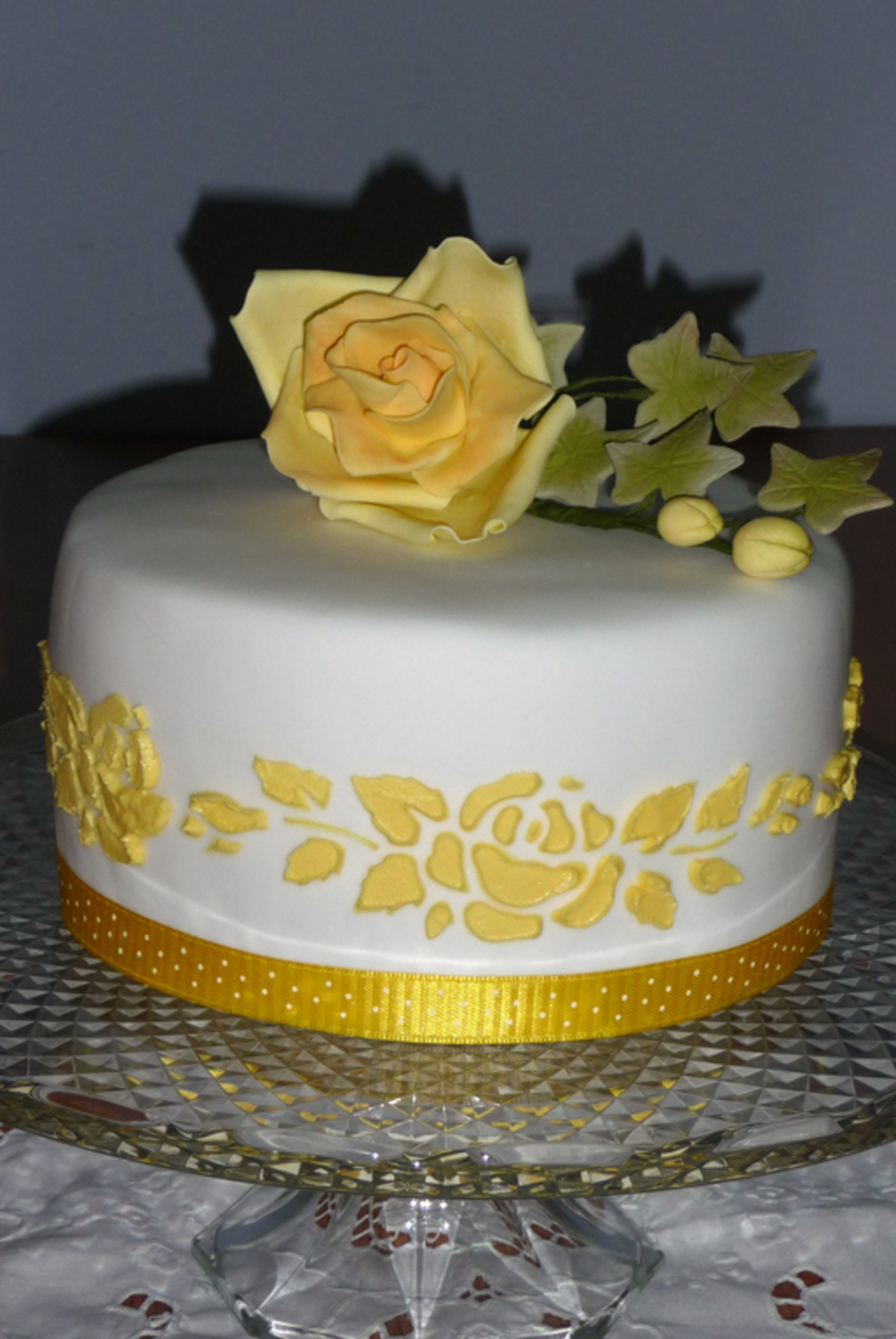 Yellow Roses on Cake Central