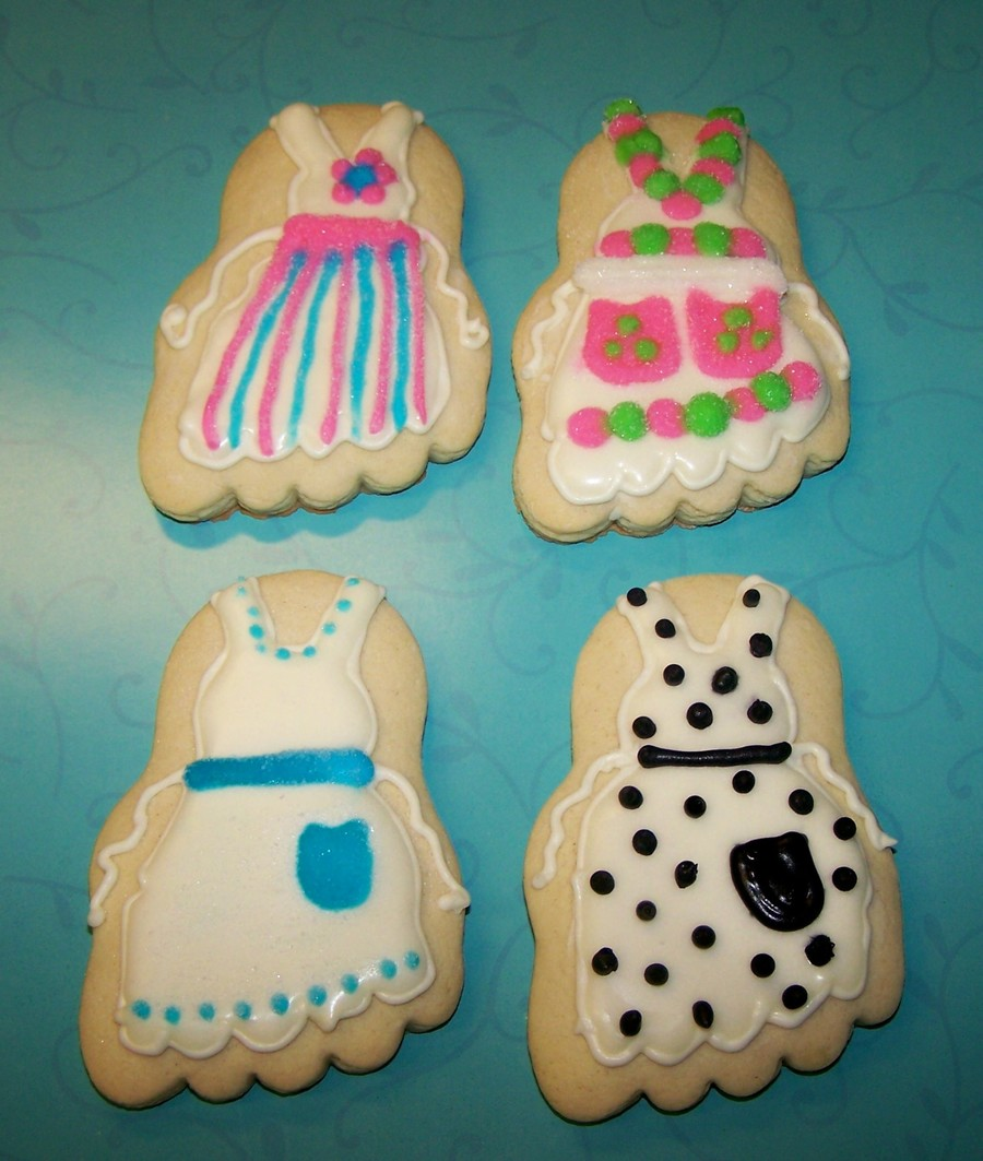 Apron Cookies on Cake Central