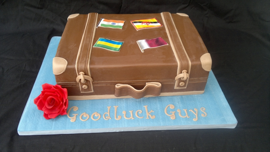 Suitcase/luggage Cake on Cake Central