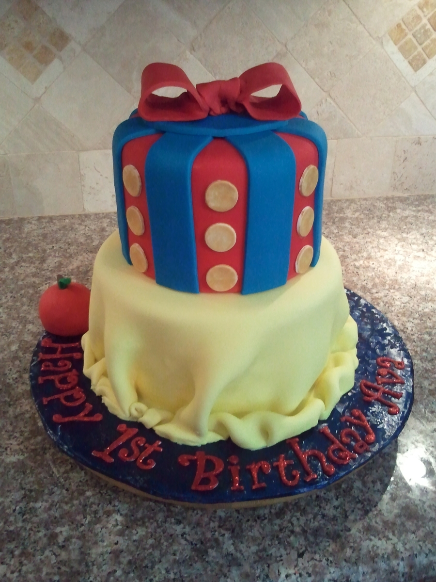 Snow White's Dress on Cake Central