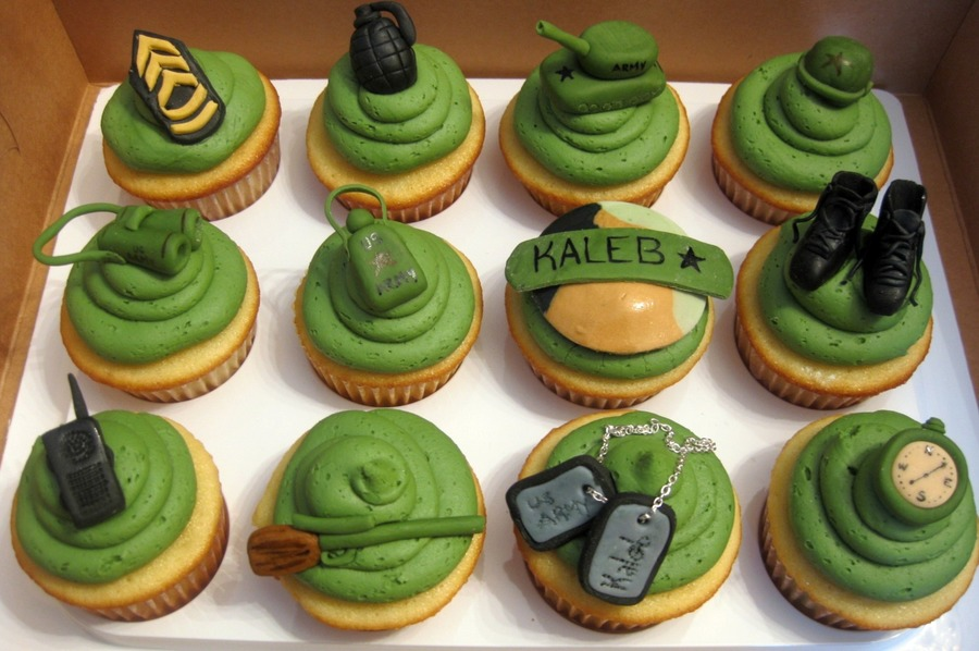 Sweet Larissa's Army Cupcakes on Cake Central
