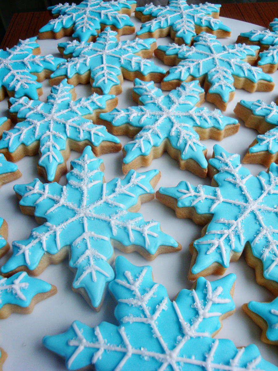 Although We Didnt End Up Having A White Christmas These Snowflake Cookies Certainly Put Me In A Holiday Mood on Cake Central