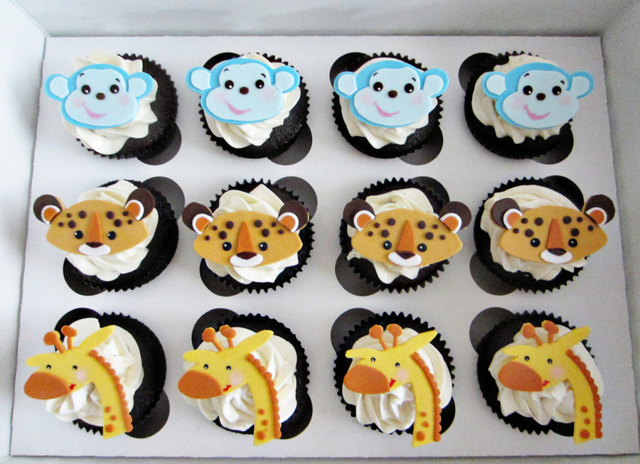 Safari Animals Seem To Be A Popular Theme For Baby Showers These Days Last Week Was A 3 Tier Safari Animal Cake This Week Chocolate Cup on Cake Central