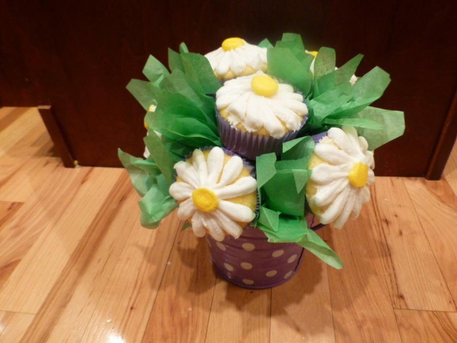 Daisy Cupcake Bouquet on Cake Central