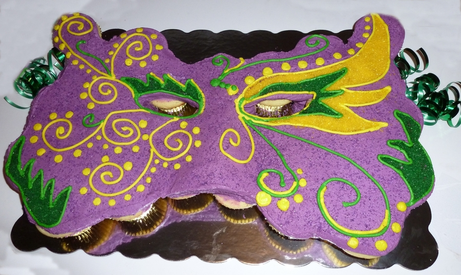 Mardi Gras Cupcake Cake on Cake Central