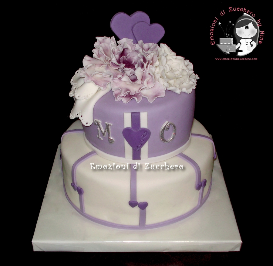 Violet And White on Cake Central