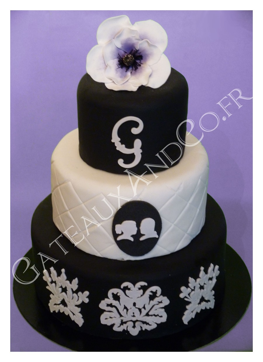 Black And White Cameo Tier on Cake Central
