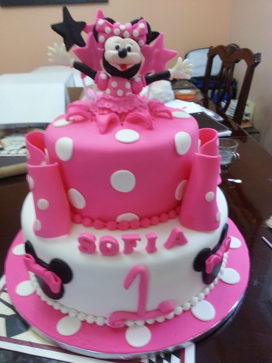 Minnie Mouse Cake Everything Edible Cakecentralcom