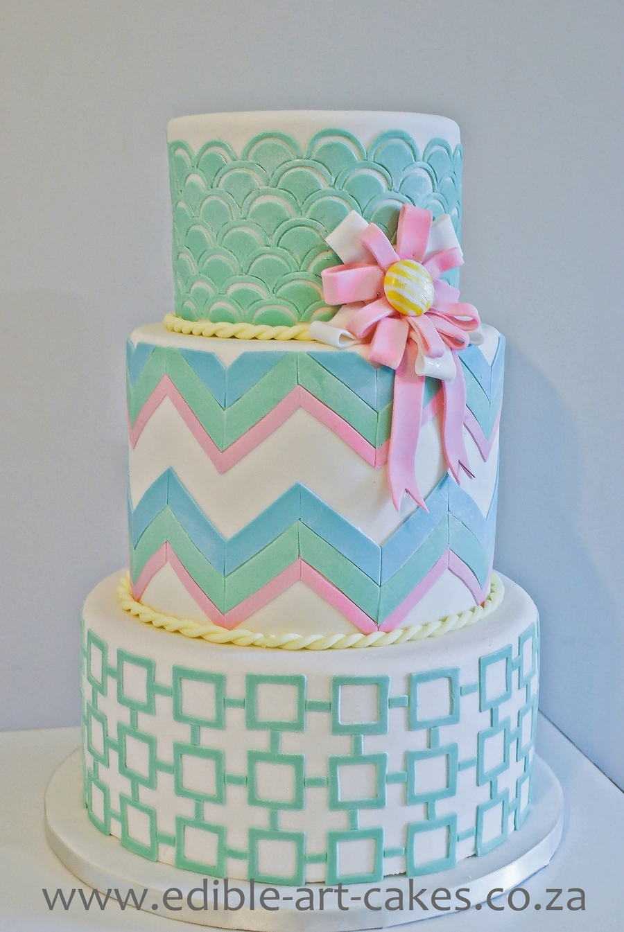 Geometric Cake on Cake Central