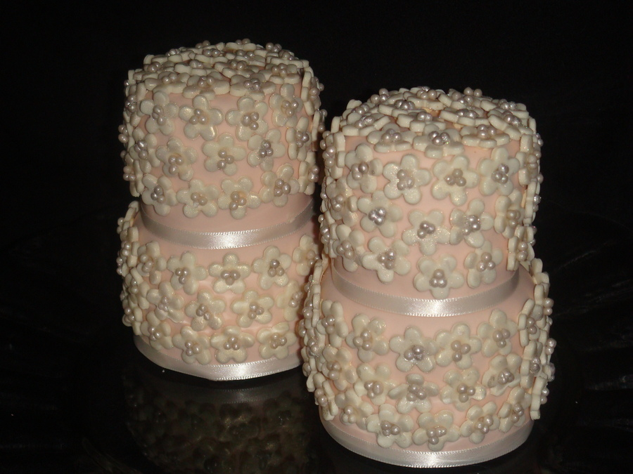 Romantic Wedding Cake Favors on Cake Central