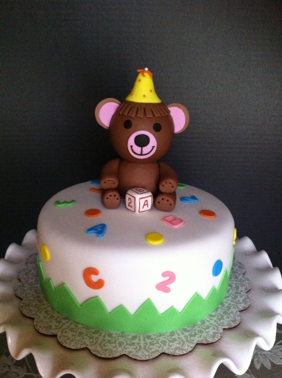 Bear Cake & Cupcakes on Cake Central