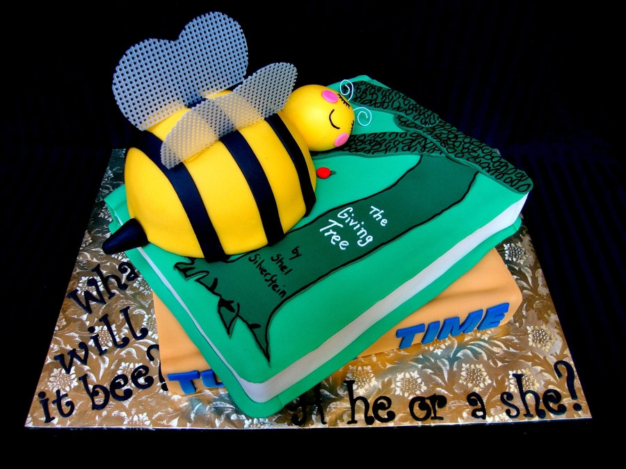 Books And Bees on Cake Central