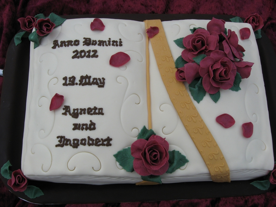 Book Married Roses  on Cake Central
