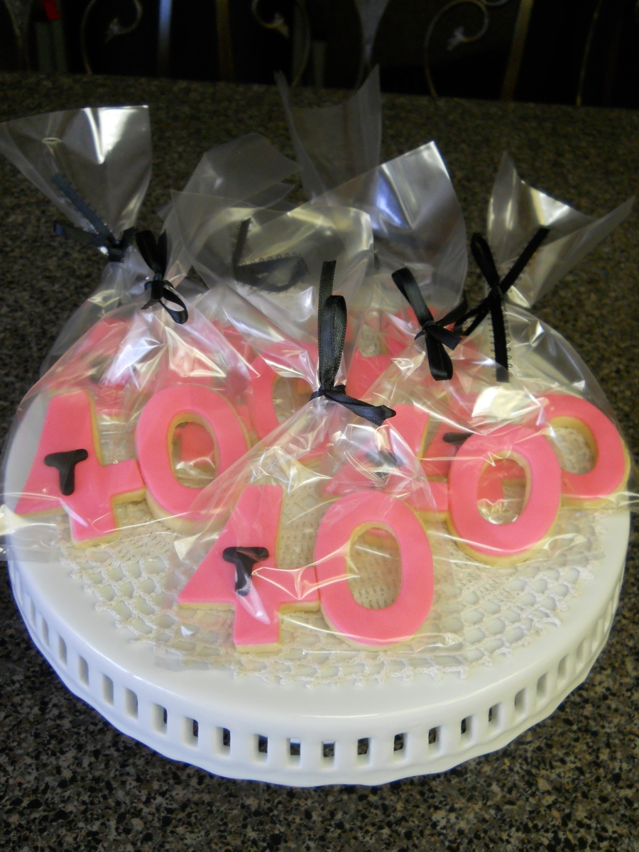 Trisha's 40 Th Hot Pink Cookies on Cake Central