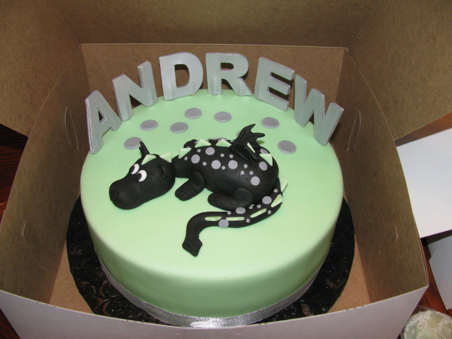 Chocolate Cake With Mint Chocolate Chip Filling Covered In Fondant And Dragon Is All Fondant on Cake Central