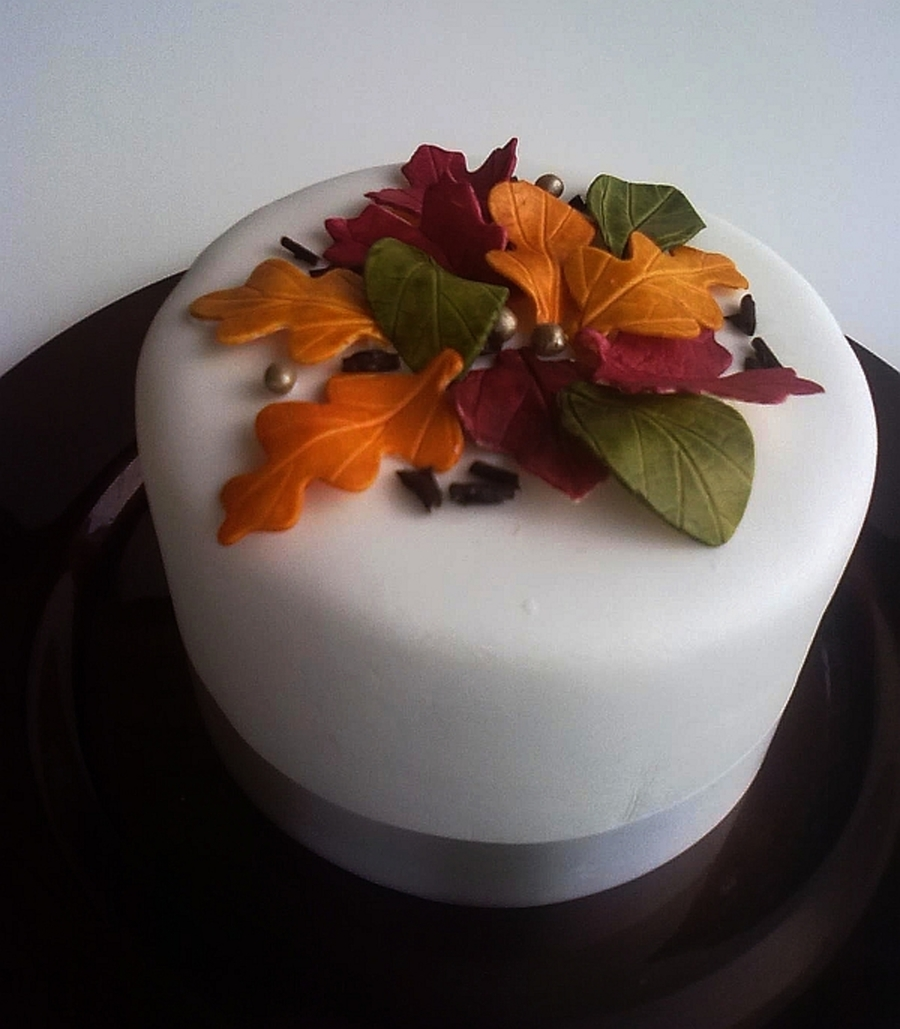 Autumn Leaves on Cake Central