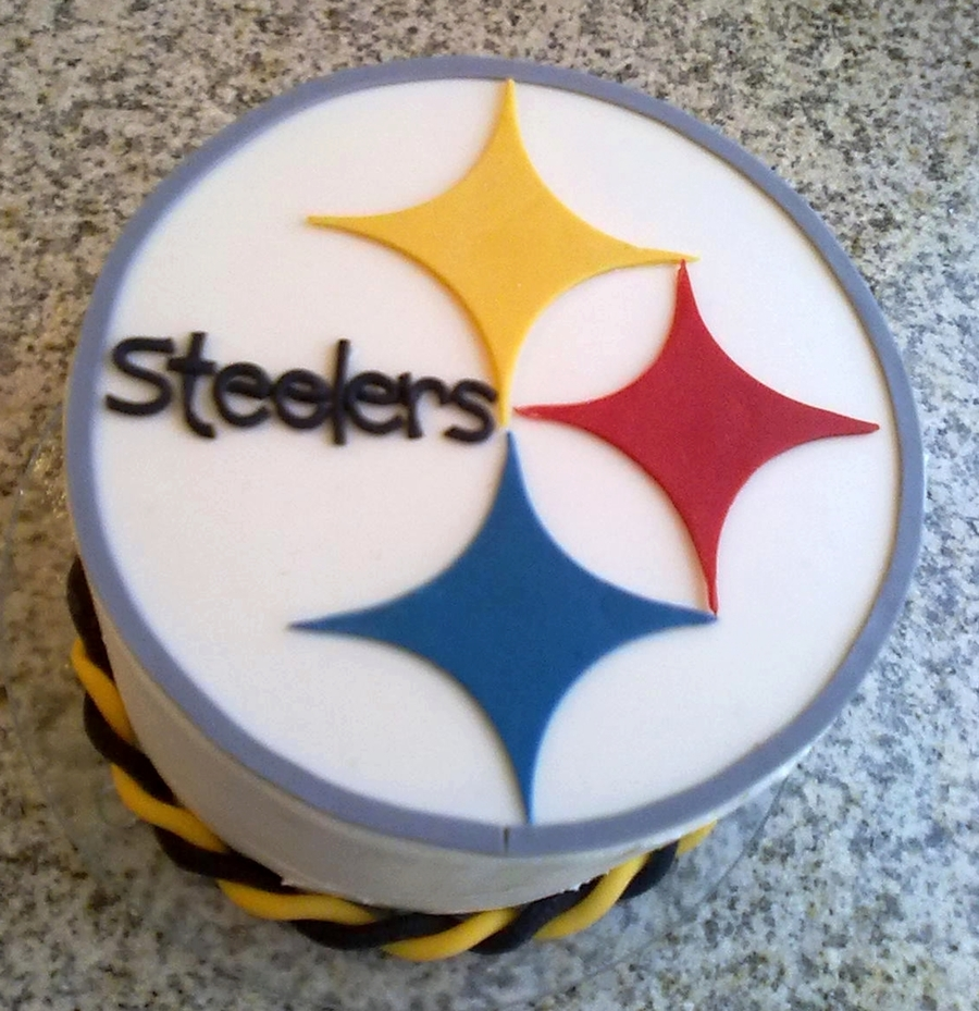 Pittsburgh Steelers Cake CakeCentralcom