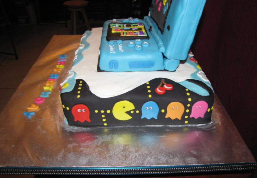 Nintendo Dsi Cake CakeCentralcom - Tetris birthday cake
