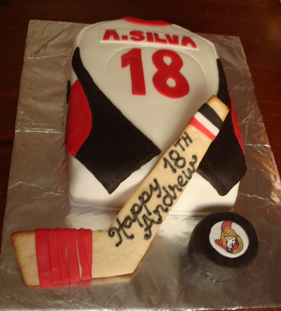 Incredible Hockey Jersey 18Th Birthday Cake Cakecentral Com Personalised Birthday Cards Petedlily Jamesorg