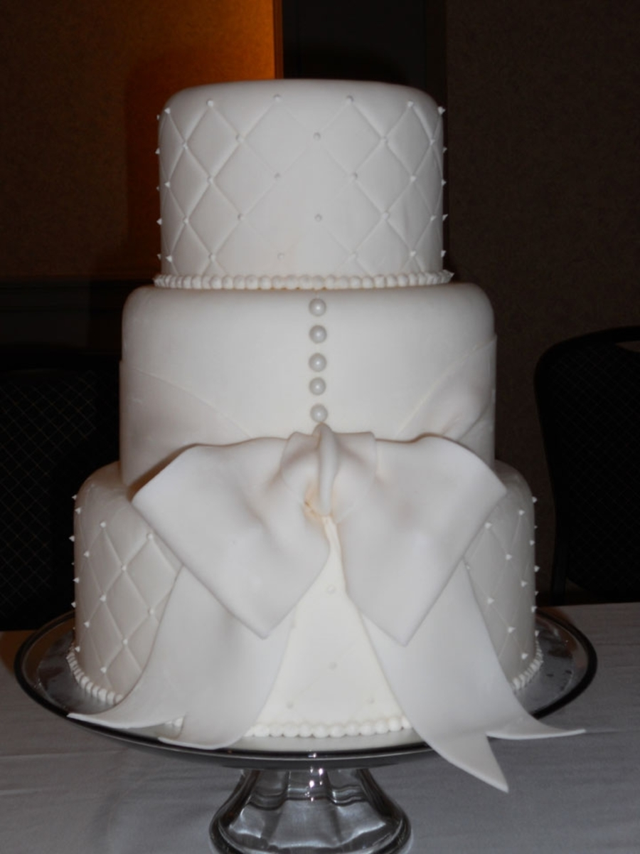 White Dress-Inspired Cake on Cake Central
