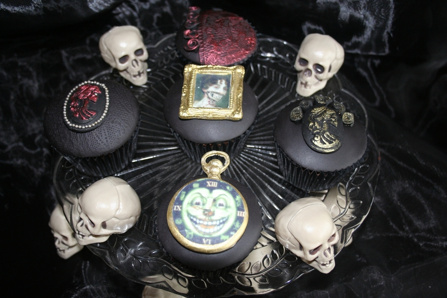 Vintage Halloween Cupcakes on Cake Central