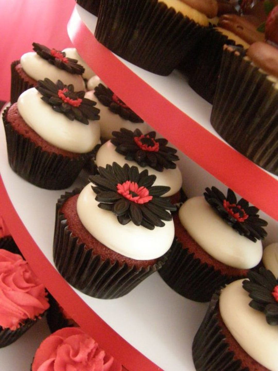 Red And Black Cupcake Wedding Cakecentral Com