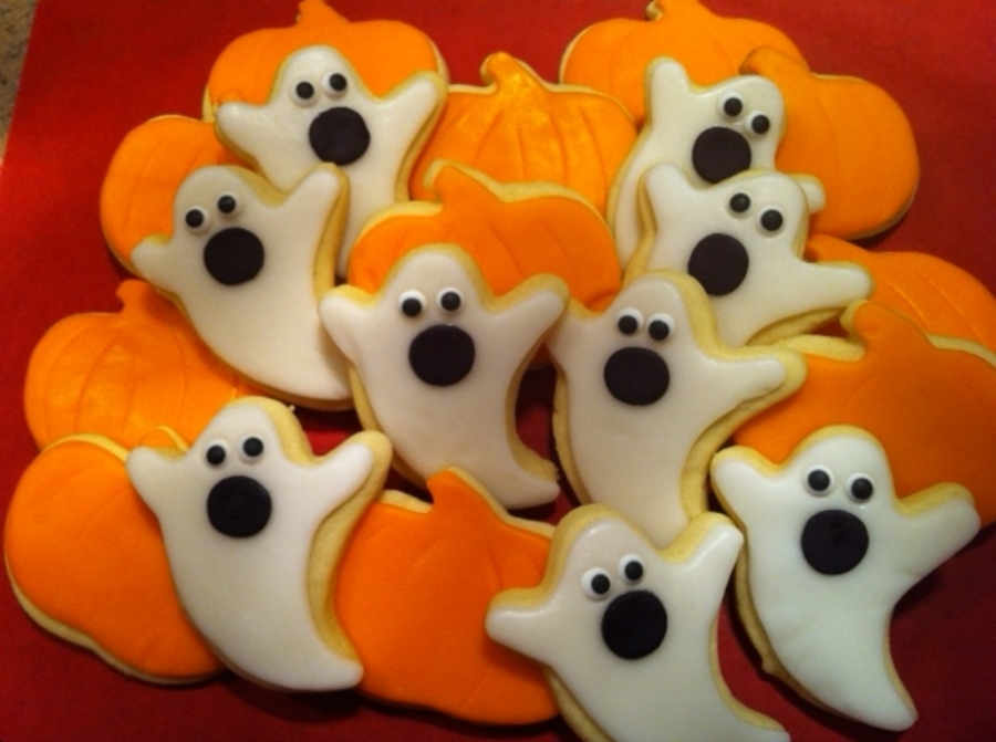 Ghosts And Pumpkins on Cake Central