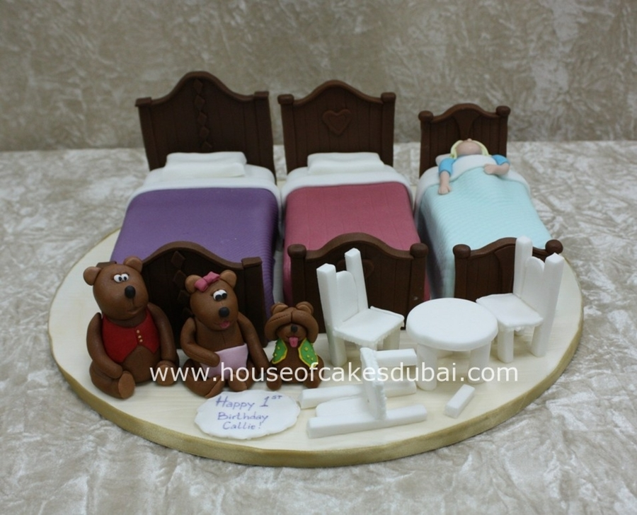 Goldilocks And The Three Bears Cake  on Cake Central