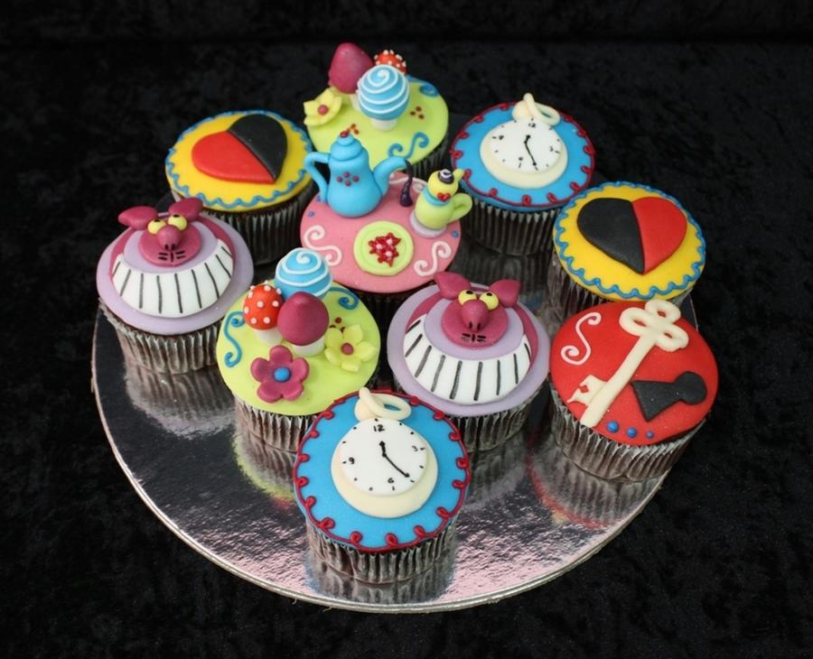 Alice In Wonderland Cupcakes - CakeCentral.com